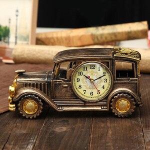 Simulation Vintage Car Alarm Clock Multifunctional Pencil Vase Antique Car Model Table Needle Desktop Clocks Home Decorator