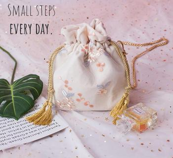 Angelatracy 2019 New Arrival Fresh Student Women Vintage Embroidery Lace Chain Storage Bag Summer Crossbody String Bucket