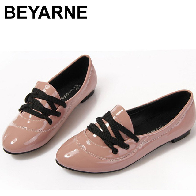 Free shipping New England Fall retro sweet candy colored patent leather pointed flat shoes Korean lace shoes