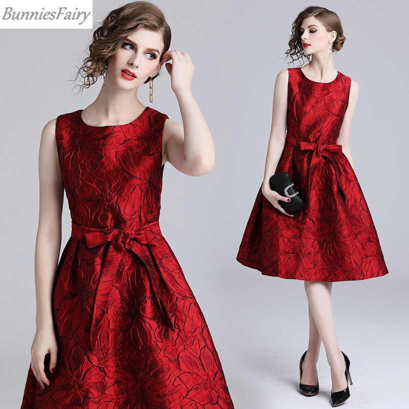 a5fdc1aa8b0 ... BunniesFairy 2019 Spring Fall 50s Vintage Audrey Hepburn Jacquard Stars  Floral Print Robe High Waist Women ...