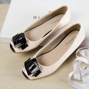 Image 2 - אופנה נעליים שטוחות לנשים חמוד כיכר הבוהן נשים ופרס עור מפוצל נעלי אישה דירות גדול גודל בלט נעל אישה 35 42