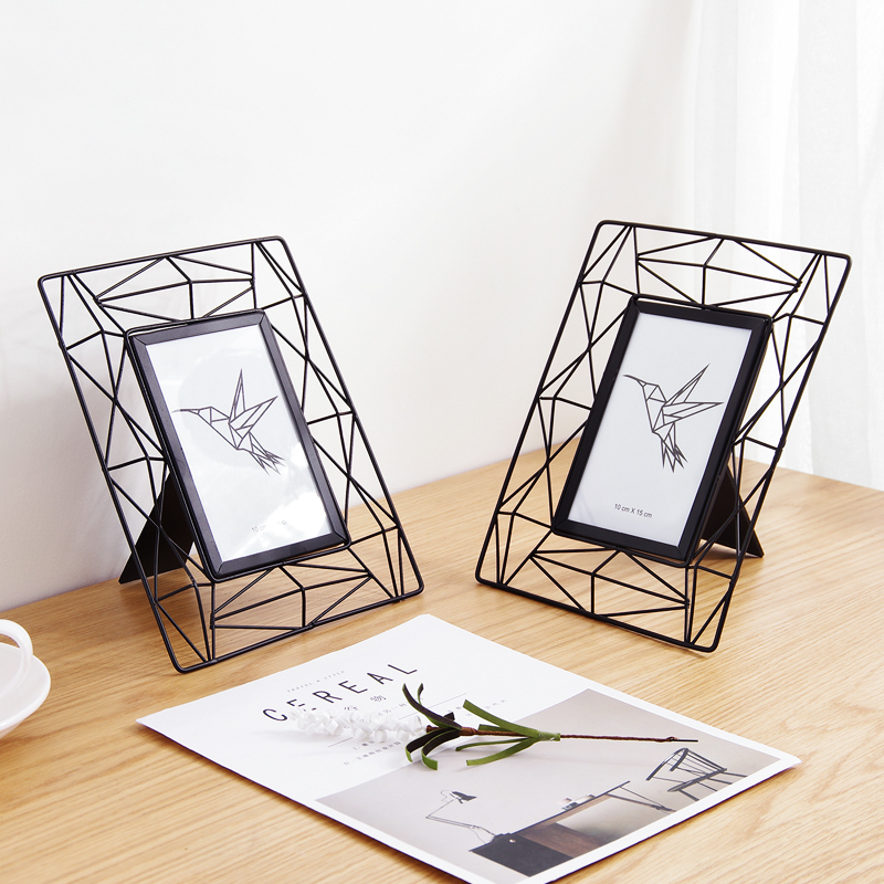 Iron Frame Simple Hollow 6 Inch Photo Frame for Table Creative Desktop Bed Cabinet Living Room Decoration
