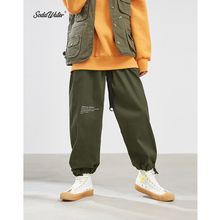 SODAWATER mężczyzna Cargo spodnie na co dzień litera W jednolitym kolorze haremki z nadrukiem 2019 Hip Hop luźne Twill bawełniane spodnie sportowe spodnie męskie 93308W tanie tanio soda water Cargo pants COTTON Poliester Elastyczny pas Pełnej długości Mieszkanie Midweight Mężczyźni Skośnym List