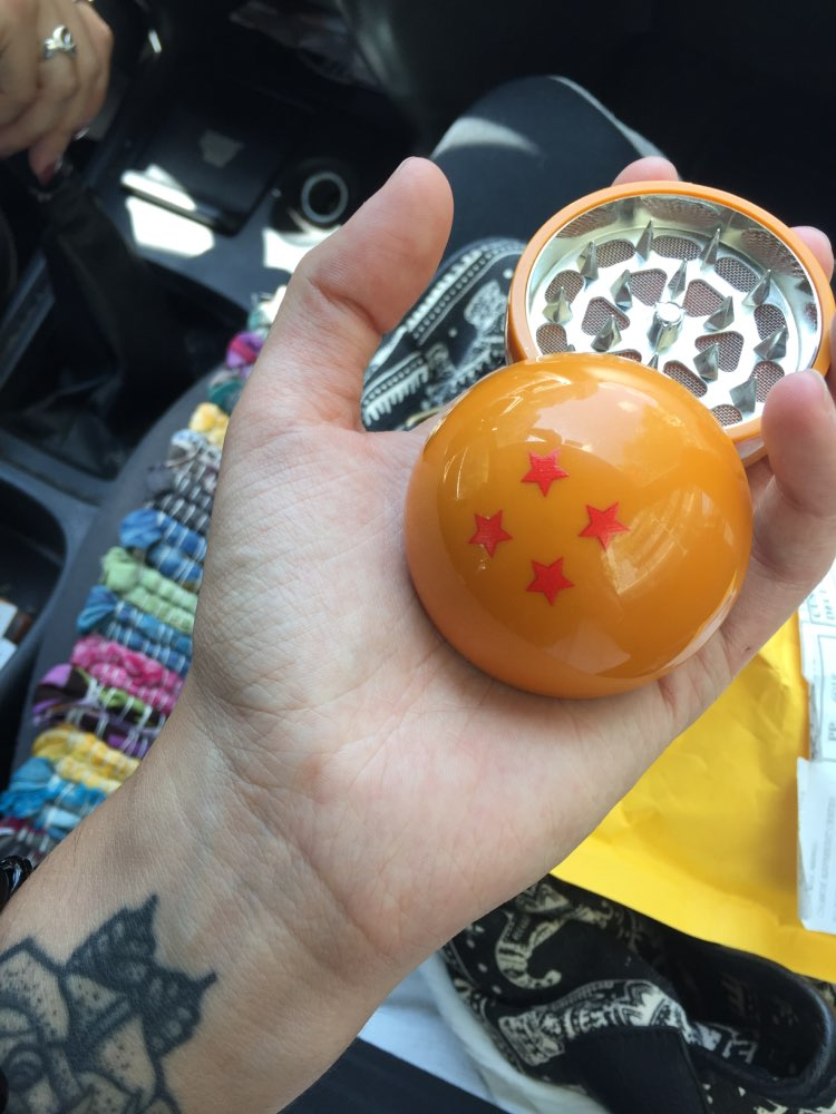 Cute 3levels Grinder Herb Grinder Tobacco Smoking Smoke Pipe Crusher Hot Sale Dragon Ball Drop Shipping in Tobacco Pipes Accessories from Home Garden