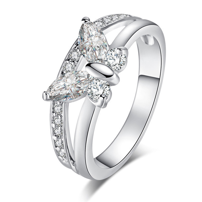 Hot Sale Zirconia Cute Butterfly Ring Rhinestone Silver Color Finger Rings Women Girls  Popular Engagement Jewelry Gift mariposa en plata anillo