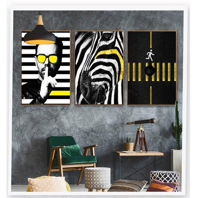 5e5626802 Moderno Um Homem Com óculos de Sol Amarelo Preto Zebra Imagem Cartaz  Pintado Personalização Simples Triplo