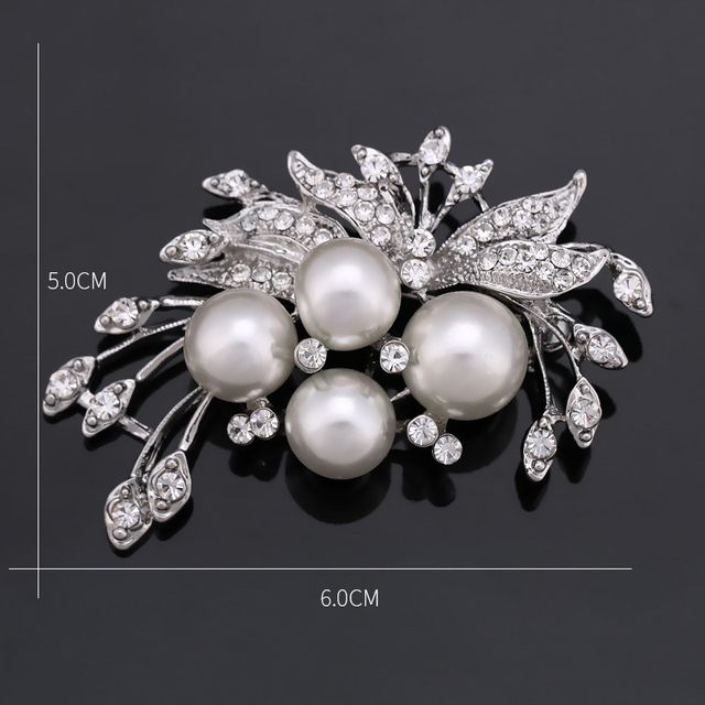 Women's Crystal / Imitation Pearl Brooch