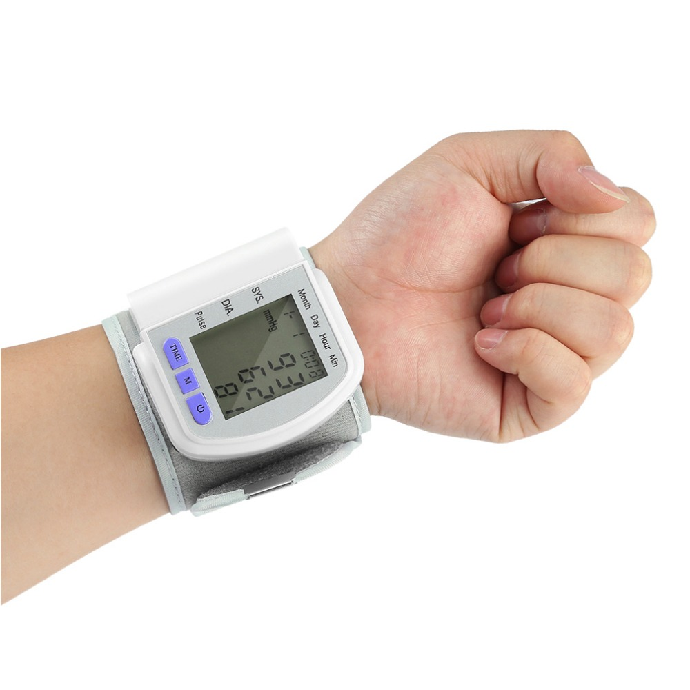 Digital LCD Automatic Wrist Monitor PIR Motion Sensor Measurement Device Heart Beat Meter Pulse Oximeter Health Care Tonometer