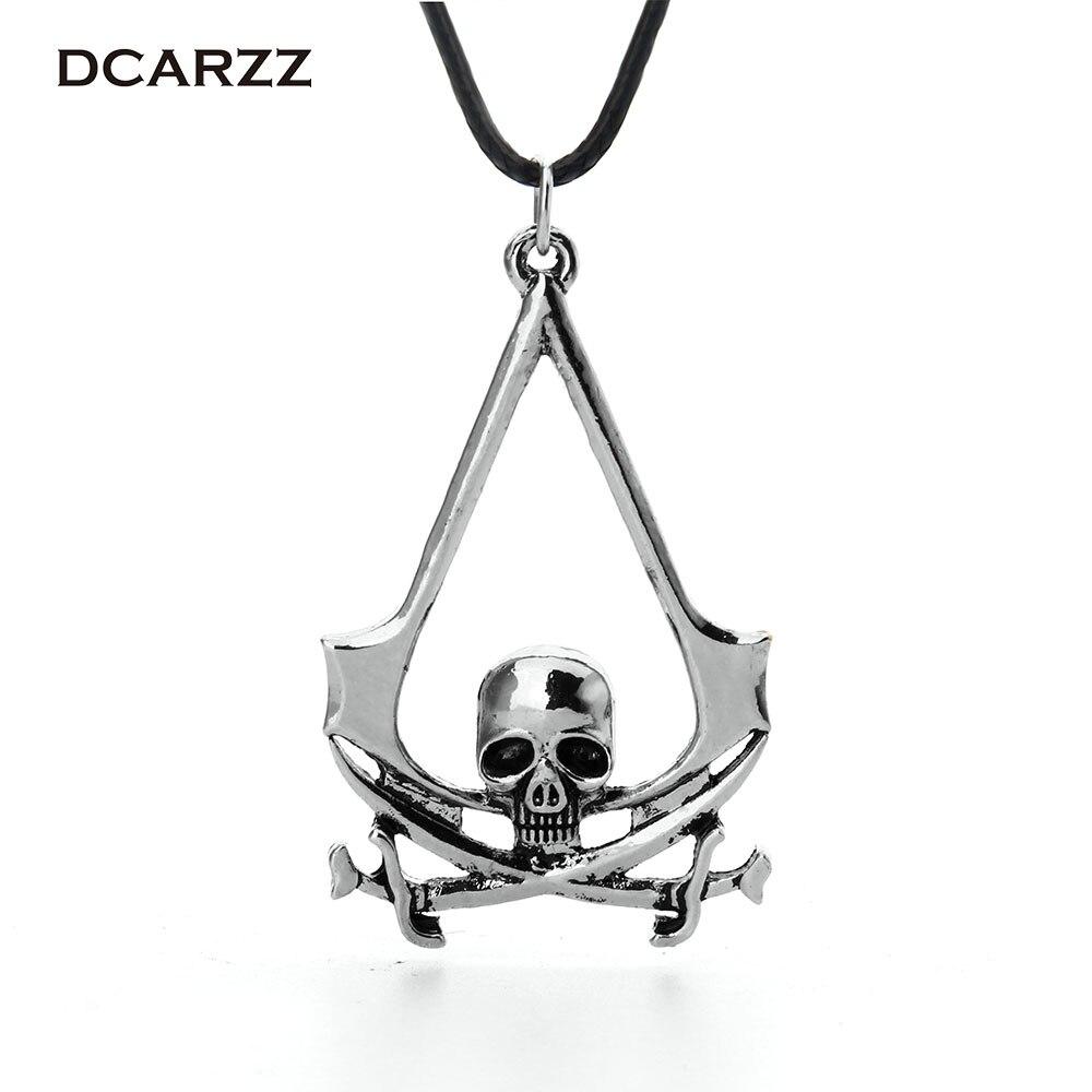 06a5f3b6f0350 2016 Assassins Creed 3D pirata cráneo collar de cuero, la cabeza del  fantasma esqueleto insignia juego Cosplay mujeres hombres declaración collar