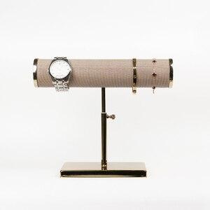 Image 5 - Nieuwe Sieraden en horloge display props met Gouden Ondersteuning De armbanden Of waaks Display Rack Display van Armband En horloge venster