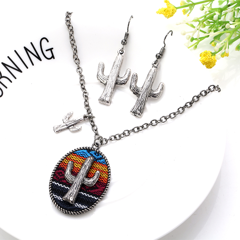 Holiday Statement Vintage necklace Men Women Antique Silver Plated Cactus Pendant Necklace jewelry Gray African Boho Jewelry