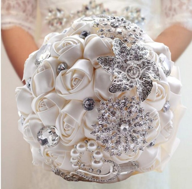 H007 Handmade Silk Wedding Bouquets Rhinestones Pageant Wedding Party Flowers Bridal Roses Bouquet Crystal Pearls Brooch Bouquet