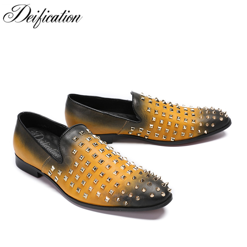 Deification Runway Moccasins Rivets Studded Mens Loafers Slip-On Casual Dress Male Flats Genuine Leather Italian Style Men Shoes mycolen mens loafers genuine leather italian luxury crocodile pattern autumn shoes men slip on casual business shoes for male