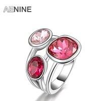 Кольцо с розовыми камнями