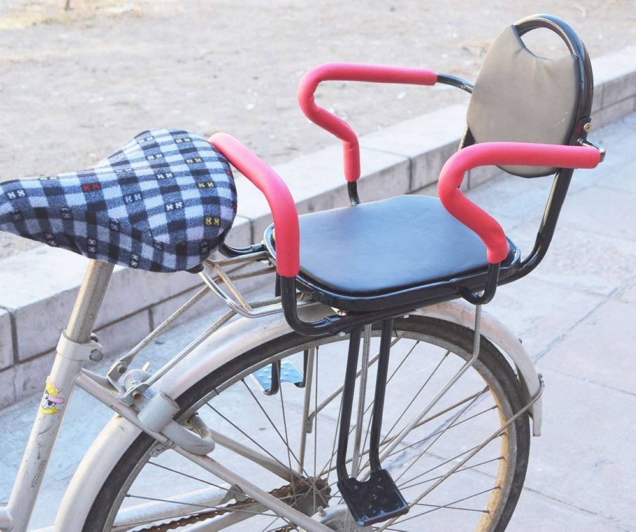 Small Crop Of Baby Bike Seat