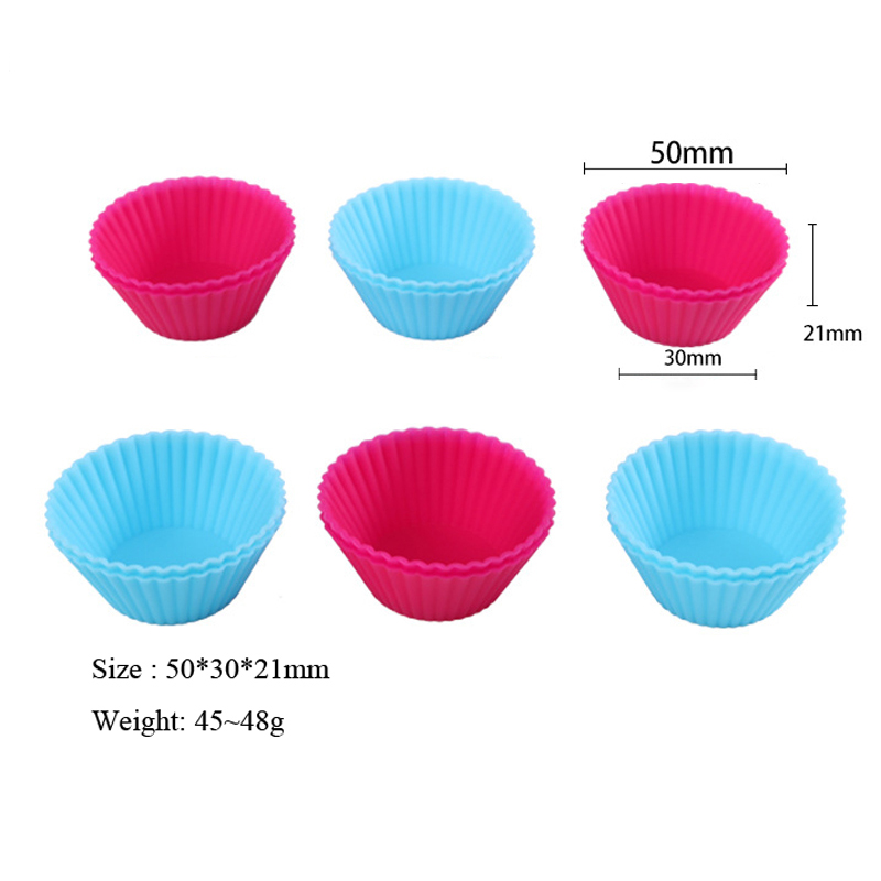 Set of 12 Pieces Mini Muffin Silicone Tins 1