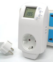 EU Plug In Energy Efficient Thermostat For Radiant Heating