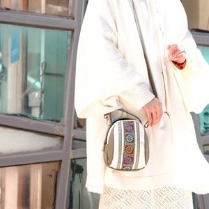Image 5 - 2019 新しい女性メッセンジャーバッグの国家刺繍ミニキャンバスジッパー携帯電話コイン財布ショルダーバッグ