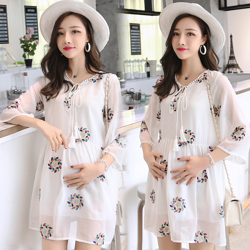 2018 Pregnant Women Chiffon Dress Maternity Clothes Loose Big Yards Embroidery Short Sleeve White Thin Money On Clothes