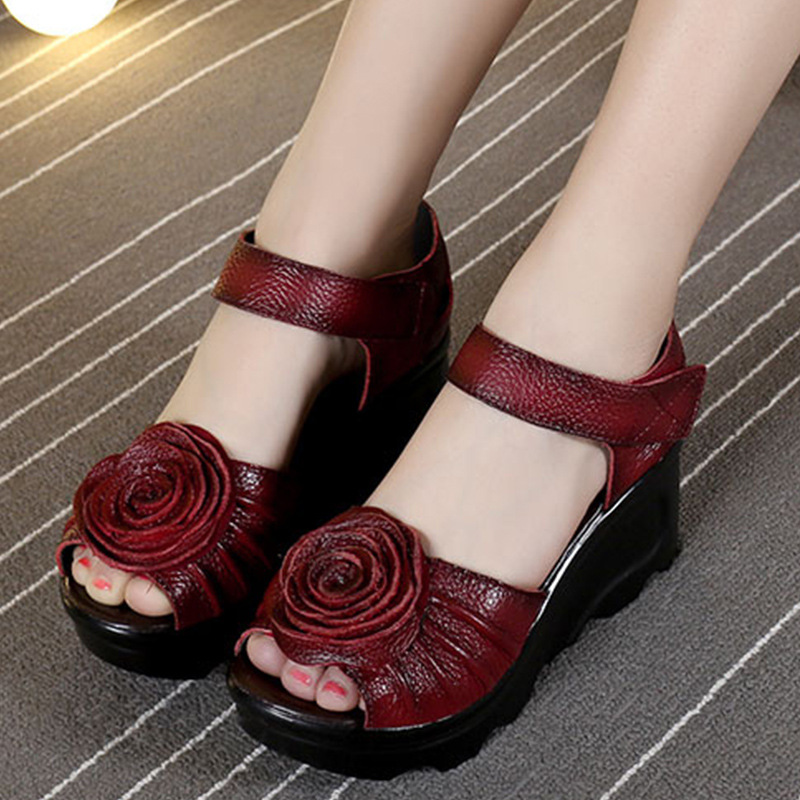 все цены на  Cheap Summer Womens  Red Sandals Genuine Leather Ladies 7CM Heel Wedges Handmade Women Ankle Strap Black Shoes Flower Fish Mouth  в интернете