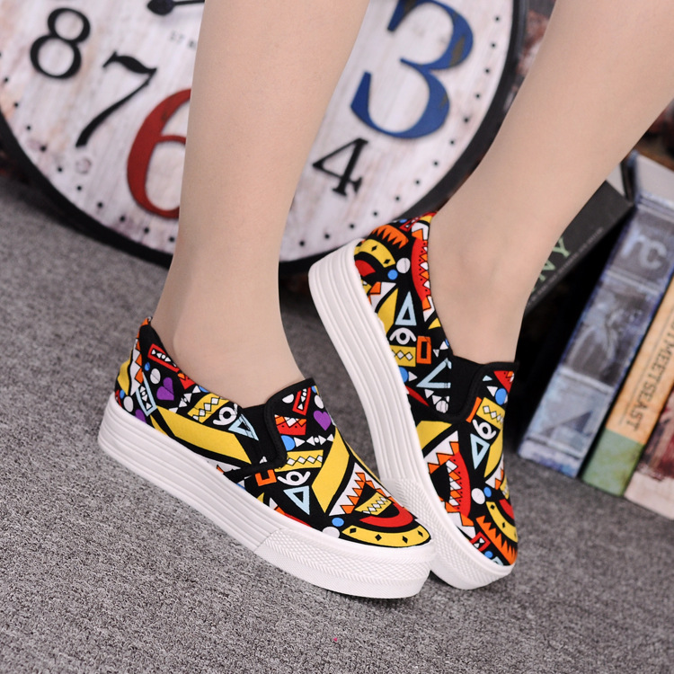 Canvas Shoes Women Girl 2016 New Footwear Female Slip On Platform Casual Shoes Flatform Autumn Graffiti Round Toe Loafers Flats (13)
