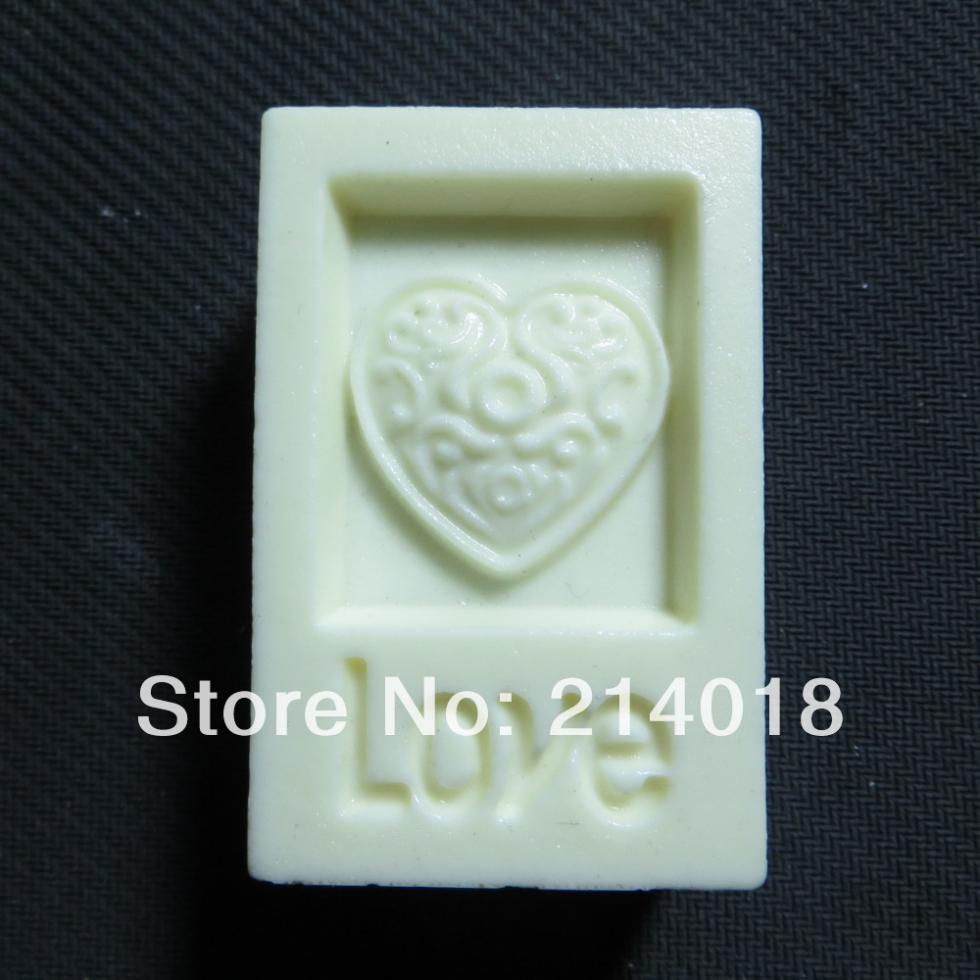LOVE and heart Modelling soap mold fondant Cake decoration mold Handmade soap mold large number of wholesale No.:si374