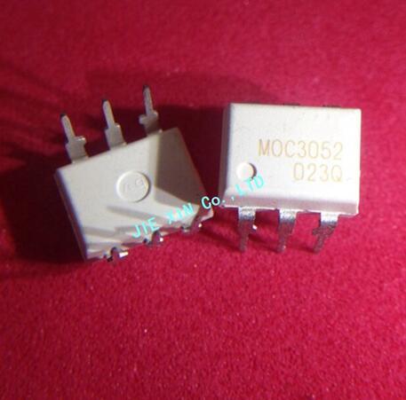 Free shipping 200PCS MOC3052 DIP 6 Zero Cross Optoisolators Triac Driver Output MOC3052M MOC 3052 MOC3052