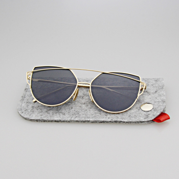 2017 fashion  Chemical Fiber Wool Felt sunglasses bags cases for eyegalsses retails glasses accessories with Hook gift