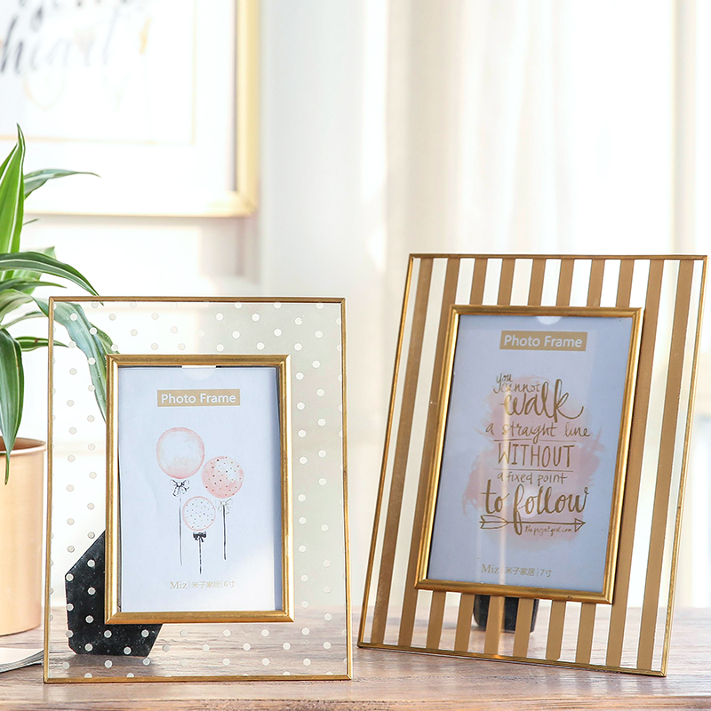 Photo Frame Golden Metal Frame Interior Accessories Classic Family Photo Frame Picture Frame for Home Decoration 50ww028