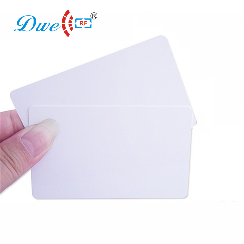 DWE CC RF access control card 13.56mhz 0.8mm thin chip cards rfid hotel key card non standard die cut plastic combo cards die cut greeting card one big card with 3 mini key tag card