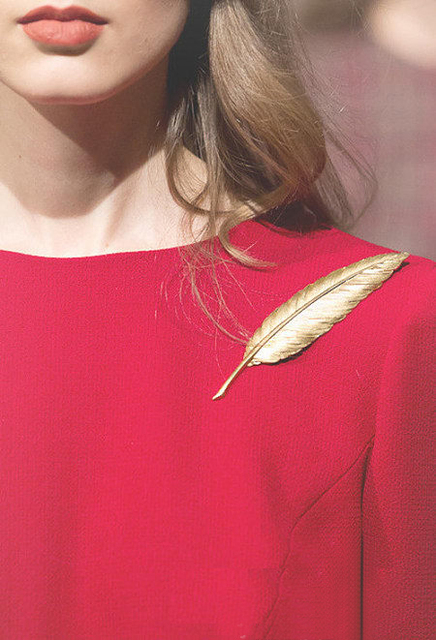 1pc Lady Golden Feather Pin Brooch