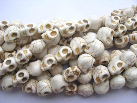 Vente en gros de haute qualité turquoise semi précieuse squelette crâne crème blanc assortiment bijoux perles 13x18mm 5 brins, - 5