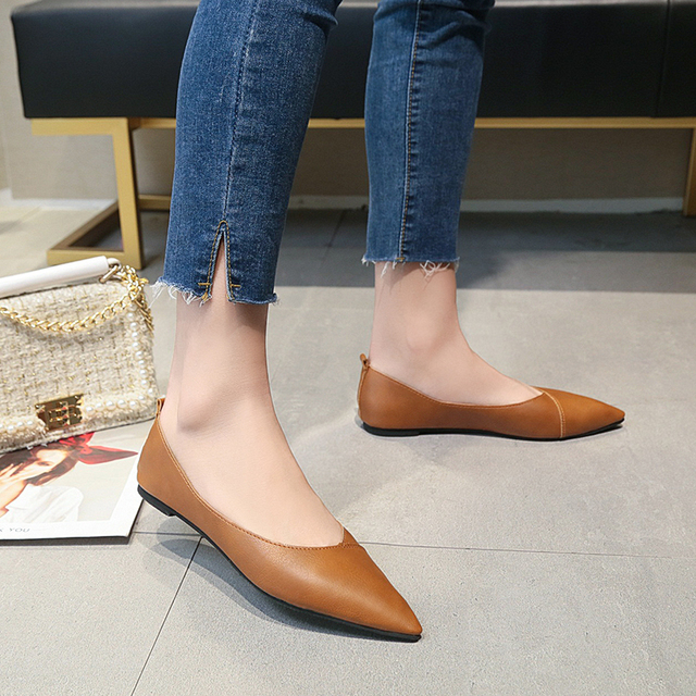 2019 Spring black soft leather shoes women larger sizes 40 ballet flats pointed toe shallow mouth slip-on ladies loafer n600 2