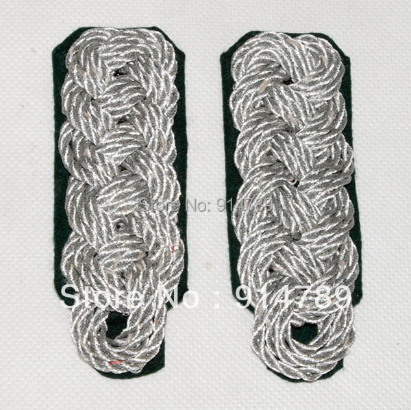A PAIR OF WWII GERMAN OFFICER SHOULDER BOARDS -32075