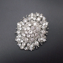 Hot Sale Fashion Men Jewelry Pin – Oval Clear Crystal Rhinestone Sparkly Brooch Pin Jewelry, Item No.: BH7103