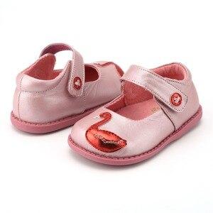 Image 2 - TipsieToes zapatos de piel auténtica de alta calidad con costuras para niños, Zapatillas para niños y niñas, novedad de Otoño de 2020, Swan
