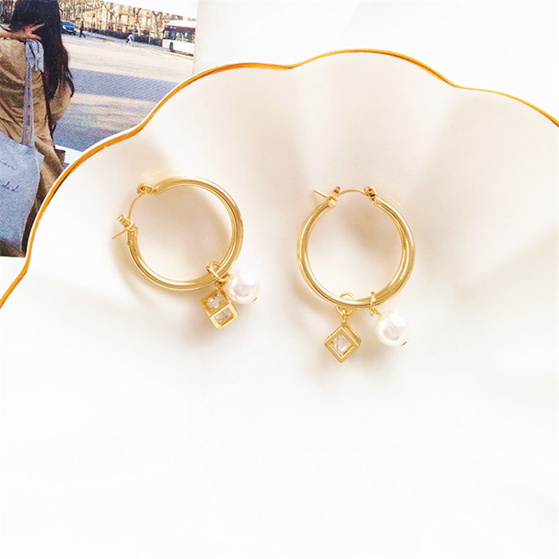 2019 New Fashion Charm Big Simulated Pearl Long Earrings for Women Statement Earrings for Wedding Party Office Lady Gift