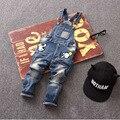 Frete grátis Clássico primavera outono calças jardineiras macacão jeans macio infantis das crianças do bebê da menina do menino calças jeans casuais 3-7 T