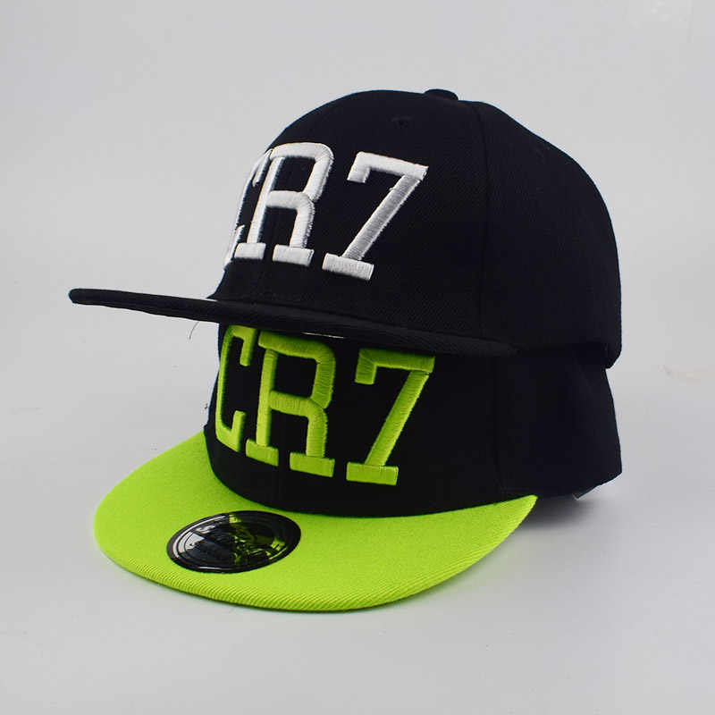 Los niños Ronaldo CR7 3D bordado gorra de béisbol sombrero de messi del  sombrero del snapback e77d7d239f4