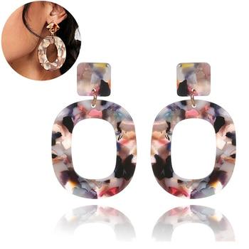 Boucles d'oreilles en résine Boucles d'oreilles Bella Risse https://bellarissecoiffure.ch/produit/boucles-doreilles-en-resine/