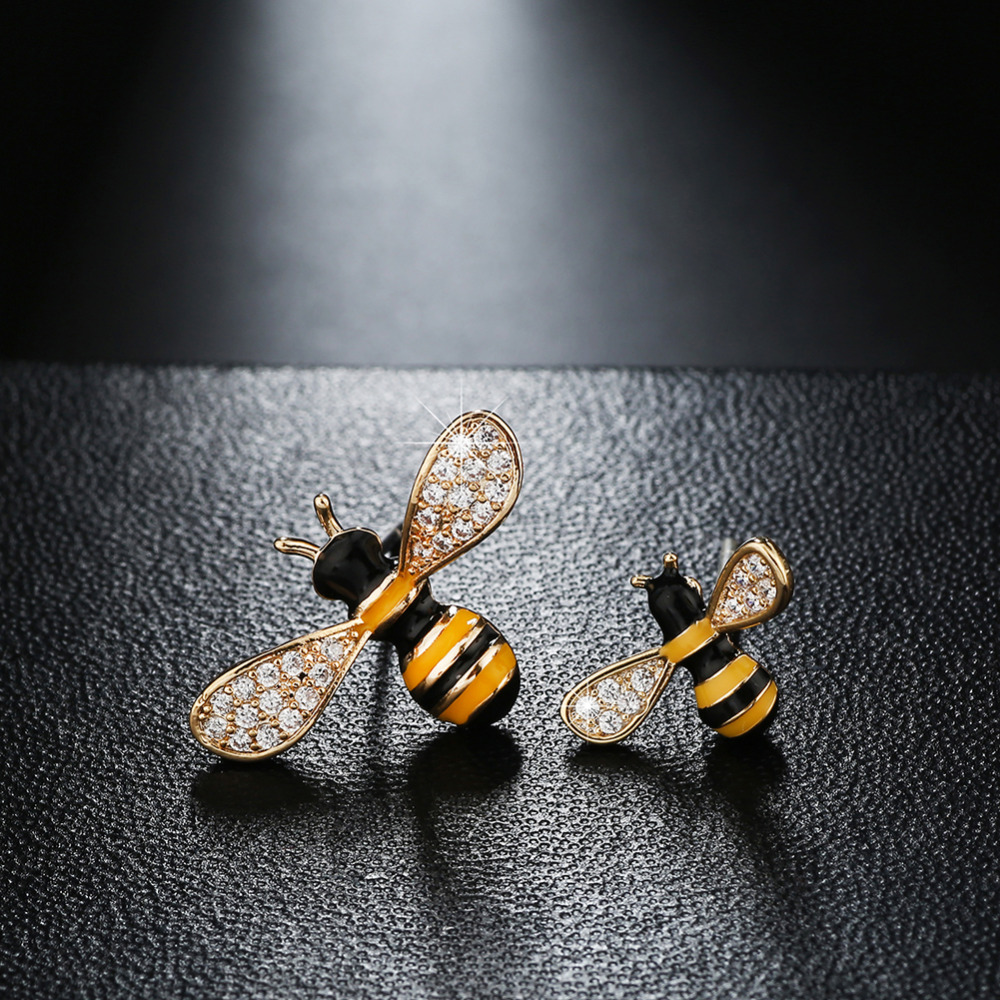 Gold Color 2 Size Bee Pattern Crystal Insect Stud Earrings Women S Usa Europe Australia Best Gifts Whole 000401 In From Jewelry
