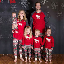 Family christmas pajamas 2017 New Europe and America style Father Son Mom mom and daughter Baby New Year Family Look Sets Elk