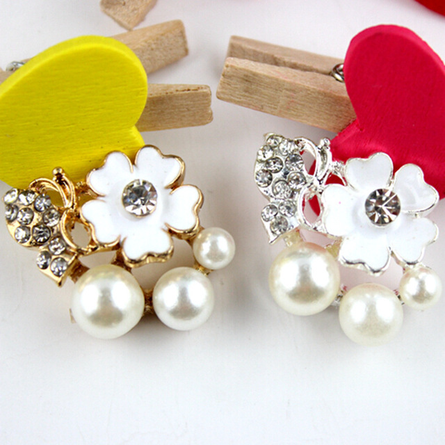wholesale Newest Rhinestone Pearl Buttons For Flower Center Bling Buttons  Decoration For Wedding 20pcs lot 1470f6363a9a
