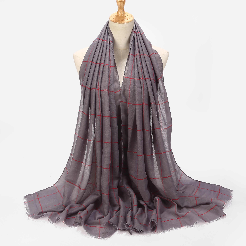Nueva moda musulmana de Color sólido hijab bufanda de cuadros chales para mujer bufandas suaves de viscosa envuelve bufandas para la cabeza bufandas musulmán Hijabs