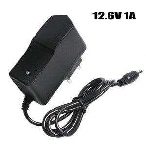 Image 1 - 12.6 v 1A Batteria Al Litio Caricatore 18650/Pacco Batteria Ai Polimeri di 100 240 v EU/US Spina Del Caricatore con Cavo Spina CC 5.5*2.1*10mm