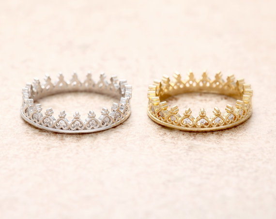 Jisensp Korean Style Retro Crystal for Women Hollow Crown Shaped Queen Temperament Rings For Women Party Wedding Ring Jewelry