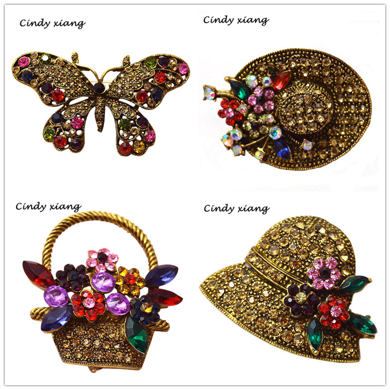 CINDY XIANG 6 Styles For Velg Vintage Rhinestone Peacock Hat Butterfly Brosjer For Women Bijouterie Broches Ryggsekk Badges