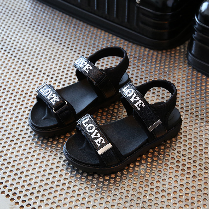The New Summer Edition of Childrens Fashion Sandals Boy Student Leisure Shoes Soft Bottom Joker Sandals Tide of The Girls
