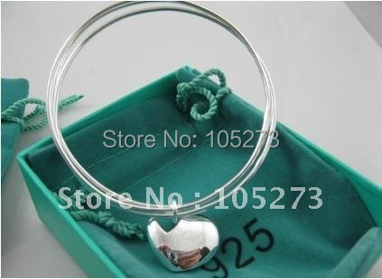 Factory Price Wholesale Silver Circles With Love Pendant Fashion Bangle New Free Shipping