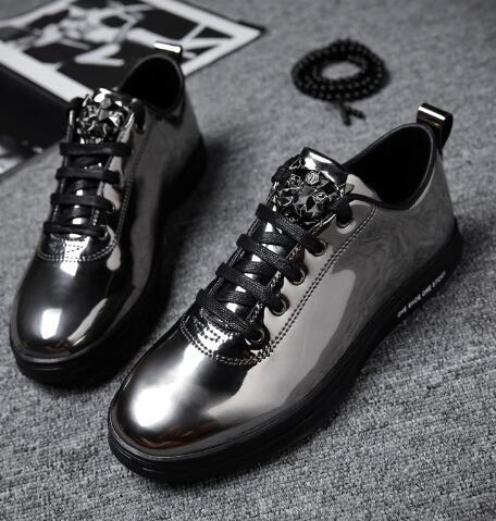2018 neue Stil Mann Fashion Outdoor Casual Sneaker Lace Up Vulkanisierte schuhe Gold Farbe Flach Männlichen Schuhe Teenager 16-in Vulkanisierte Herrenschuhe aus Schuhe bei  Gruppe 2